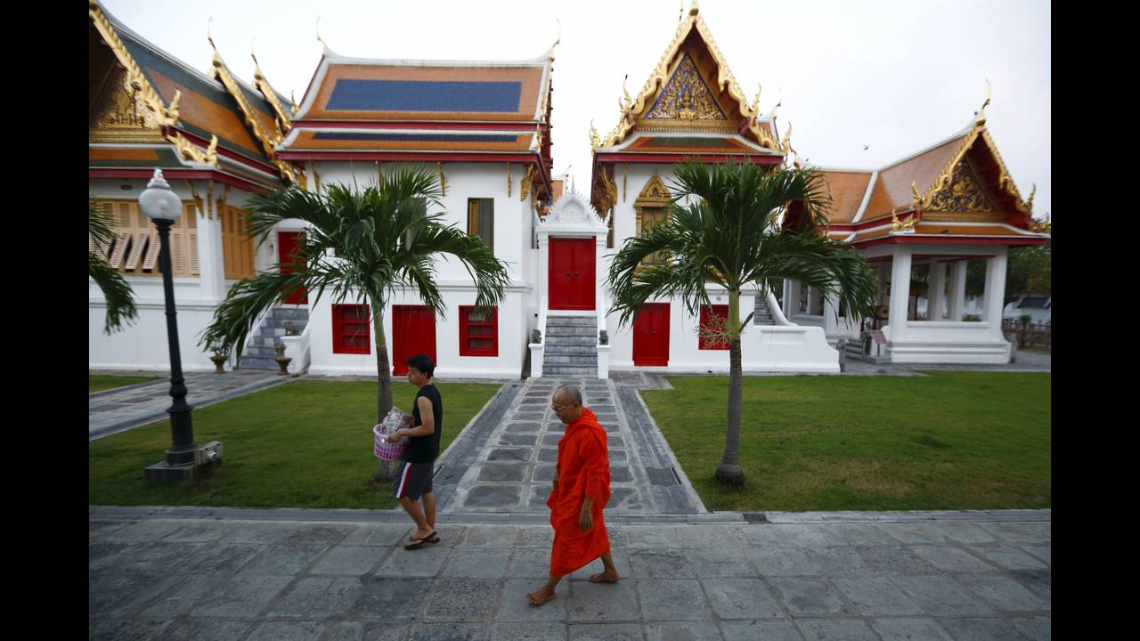 https://cdn.cnngreece.gr/media/news/2016/01/14/18470/photos/snapshot/THAILAND-BUDDHISM.jpg