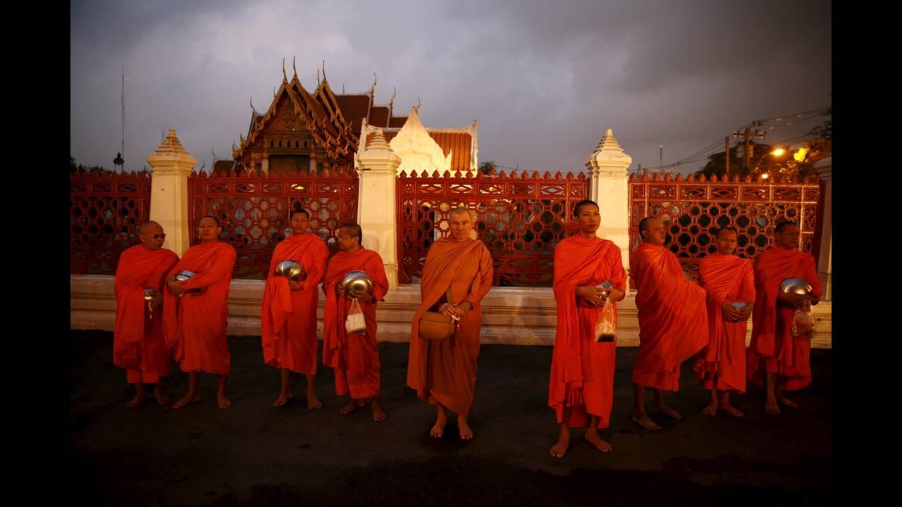 https://cdn.cnngreece.gr/media/news/2016/01/14/18470/photos/snapshot/THAILAND-BUDDHISM7.jpg