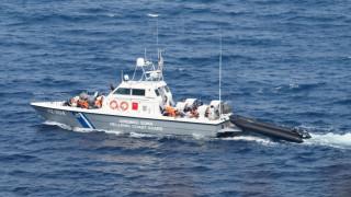 Σκάφος του Λιμενικού προσάραξε σε τουρκικά αβαθή