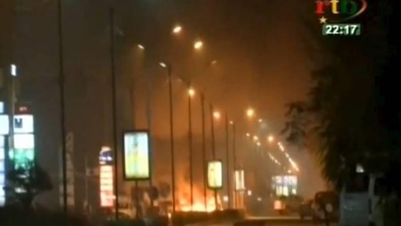 Τρομοκρατική επίθεση με δεκάδες νεκρούς στην Μπουρκίνα Φάσο