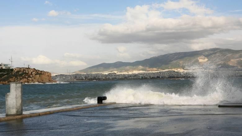 Εκτελούνται κανονικά τα δρομολόγια πλοίων από Πειραιά, Ραφήνα, Λαύριο
