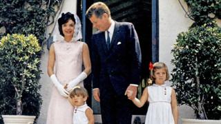 Δημοπρατούνται αντικείμενα ιστορικής αξίας της οικογένειας των Κένεντι