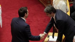 Αντεπίθεση ετοιμάζει η κυβέρνηση ως απάντηση στις δημοσκοπήσεις