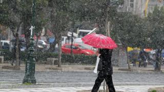 Καιρός: Κυκλοφοριακά προβλήματα από την χιονόπτωση στη Θεσσαλονίκη