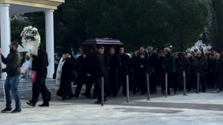 Θρήνος στην κηδεία της 37χρονης Ανθής Λινάρδου