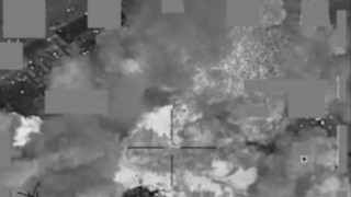 Μνημόνιο και στον ISIS: Κόβει τους μισθούς κατά 50%