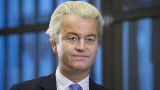 Ολλανδός βουλευτής: Σεξουαλικοί τρομοκράτες οι πρόσφυγες