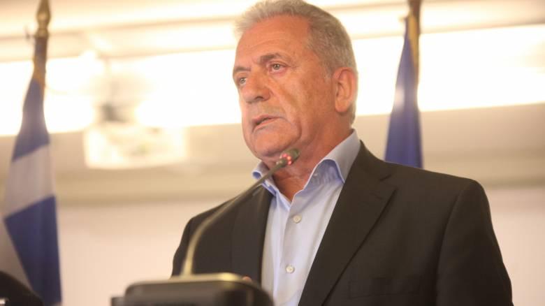 Αβραμόπουλος: Όριο οι τέσσερις εβδομάδες για την ολοκλήρωση των hotspots
