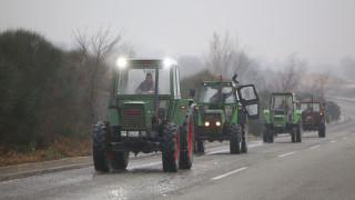 Έκλεισαν συμβολικά το δρόμο οι αγρότες στον Προμαχώνα