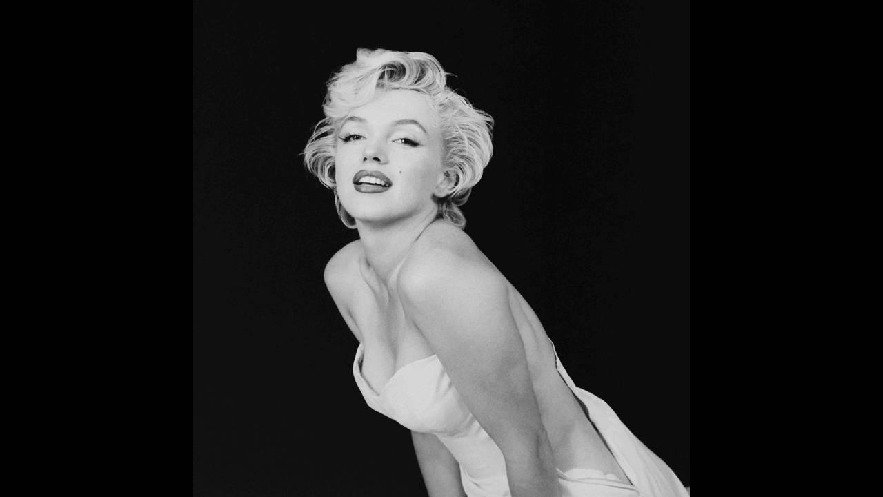 https://cdn.cnngreece.gr/media/news/2016/01/19/18989/photos/snapshot/as-a-seductive-ballerina-ny-1956-milton-h-greene-.jpg