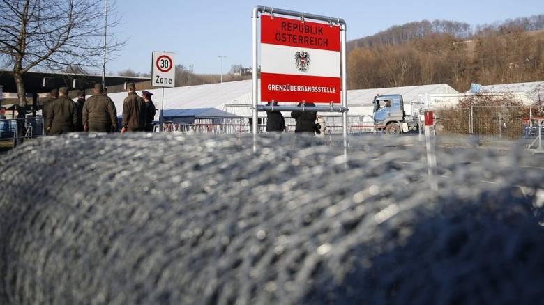 Aυστρία: Bγάζει το στρατό στα σύνορα με τη Σλοβενία για τους μετανάστες