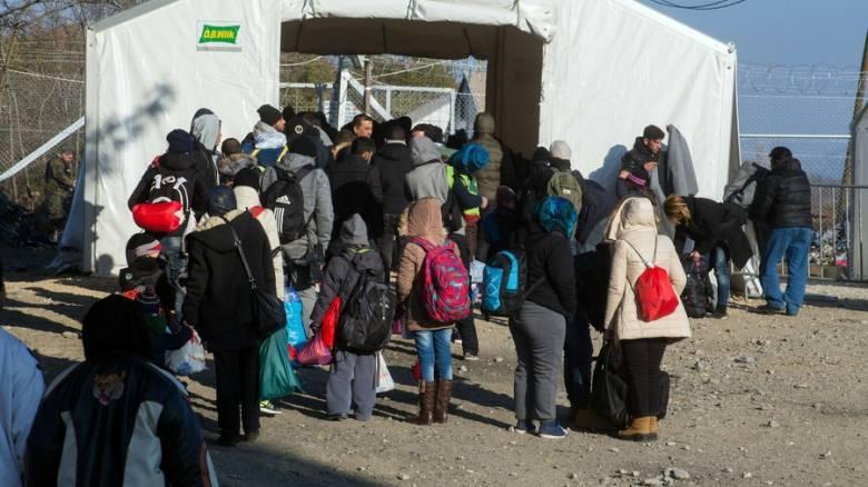 ΠΓΔΜ: Έκλεισε η ουδέτερη ζώνη για τους πρόσφυγες στην Ειδομένη