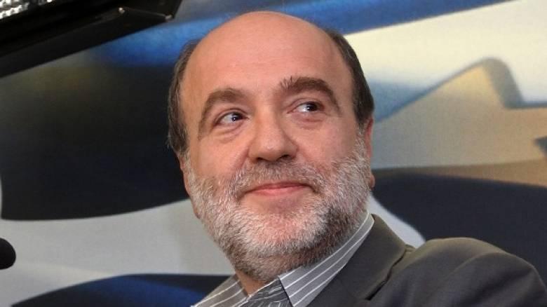 Διαψεύδει ο Τρύφωνας Αλεξιάδης την επιβολή φόρου σε tablet και smartphones