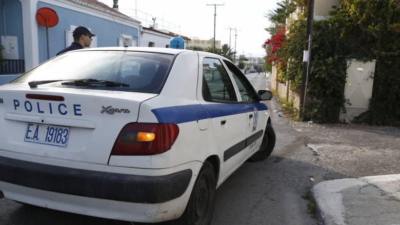 Άγριο έγκλημα με τσεκούρι στην  Αχαΐα- Επιτέθηκε σε 7χρονο κορίτσι και έκοψε το χέρι της γιαγιάς της
