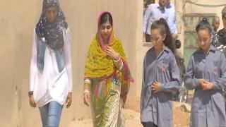 Ένα φουλάρι για καλό σκοπό με την υπογραφή της Μαλάλα