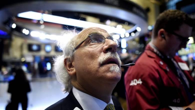«Βουτιά» στα διεθνή χρηματιστήρια- Συνεχίζεται η πτώση της τιμής του πετρελαίου