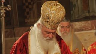 Ιερώνυμος: Η Εκκλησία δεν θέλει να επιβάλει τις απόψεις της