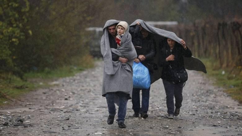 Σένγκεν: Συζητούν αναστολή της και εγκλωβίζουν τους πρόσφυγες στην Ελλάδα