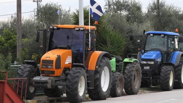 Ενισχύουν τα μπλόκα οι αγρότες της Μαγνησίας