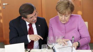 Έξτρα 50 εκατ. ευρώ από τη Γερμανία στην Τουρκία για τους πρόσφυγες