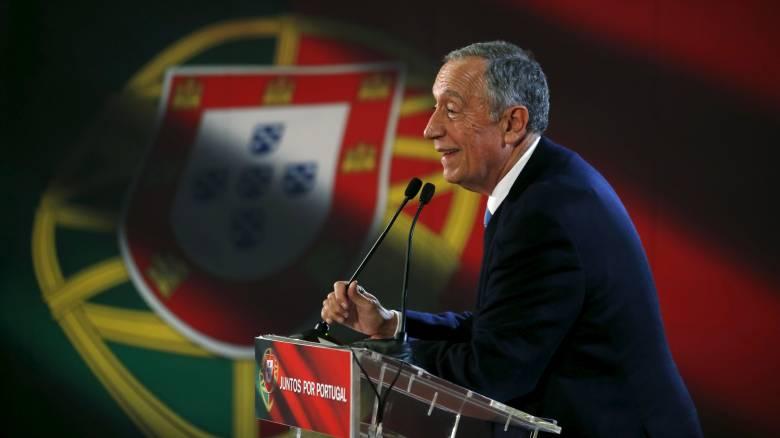 Πορτογαλία: Nίκη του κεντροδεξιού υποψηφίου στις προεδρικές εκλογές δείχνουν τα έξιτ πολ