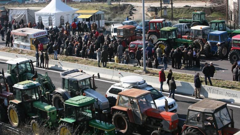 Αγροτικές κινητοποιήσεις: Την Τρίτη αποφασίζουν για το ραντεβού στο Μαξίμου