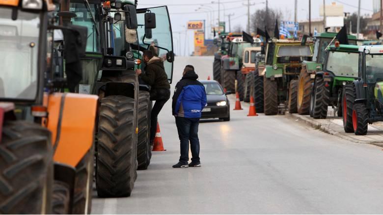 Οι αγρότες κλιμακώνουν τις κινητοποιήσεις τους