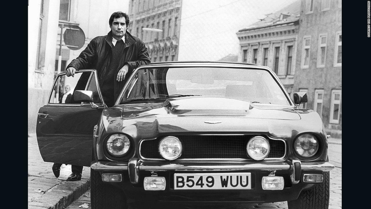 https://cdn.cnngreece.gr/media/news/2016/01/25/19544/photos/snapshot/bond-cars-aston-martin-v8-vantage-volante.jpeg