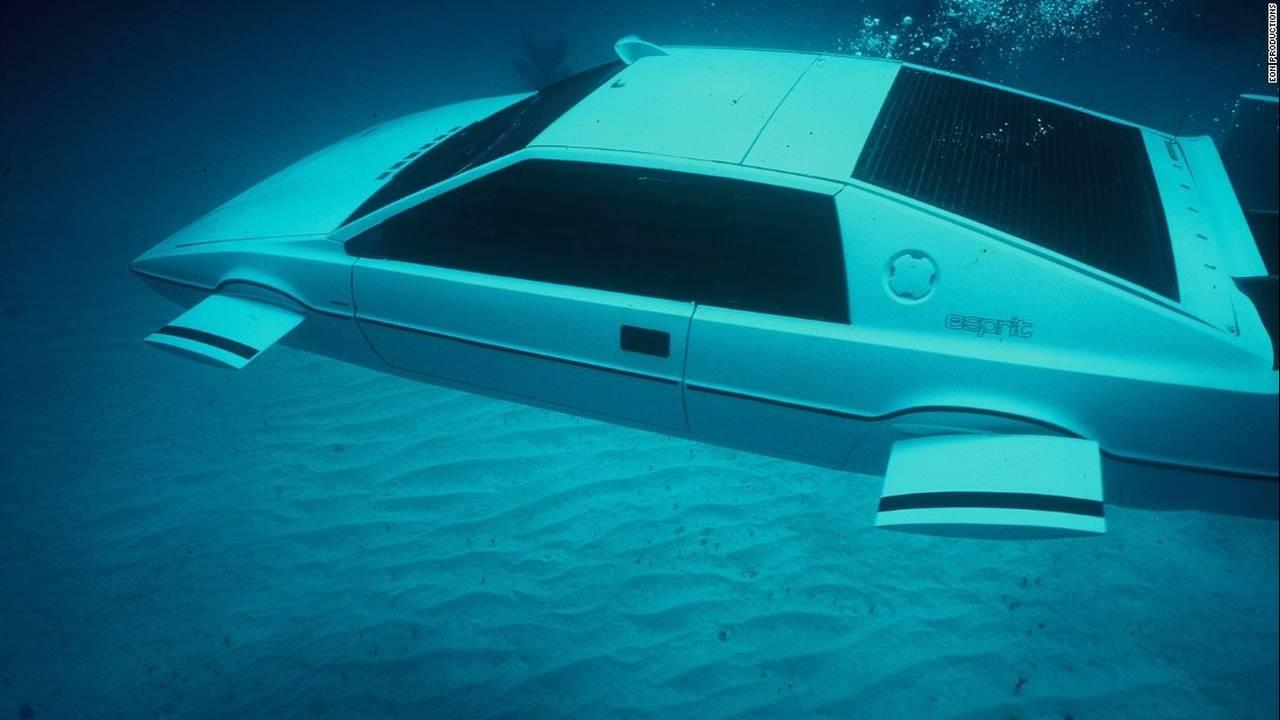 https://cdn.cnngreece.gr/media/news/2016/01/25/19544/photos/snapshot/bond-cars-lotus-esprit.jpg