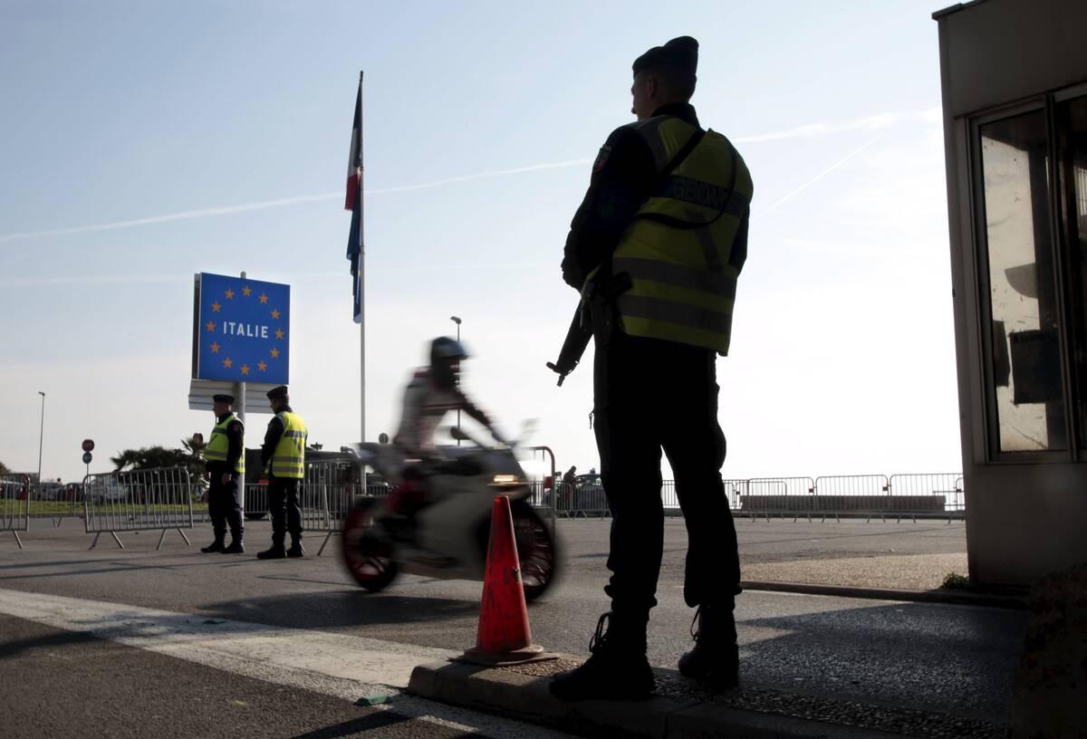 συνοριακοί έλεγχοι, πρόσφυγες, γαλλία