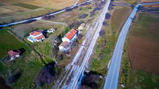 Ο εγκαταλελειμμένος σιδηροδρομικός σταθμός στην Πλατανιά Δράμας