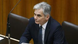 Αυστριακός καγκελάριος: να φιλοξενούνται στην Ελλάδα όσοι δεν πληρούν κριτήρια για άσυλο