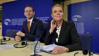 HRW: Εκδικητική  η απόφαση της Δανίας για τα τιμαλφή των προσφύγων