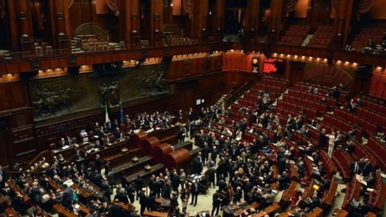 Ιταλία: Καταψηφίστηκαν οι προτάσεις δυσπιστίας κατά της κυβέρνησης Ρέντσι