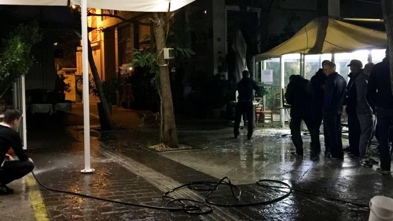 Συμπλοκή Ελλήνων-Γερμανών στο Μοναστηράκι-Τέσσερις τραυματίες (vid)