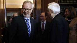 Χόγιερ: Έξοδος από τη Σέγκεν θα επηρεάσει τις επενδύσεις