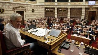 Μπαλαούρας στη Βουλή για τις δηλώσεις του για τη 17 Ν