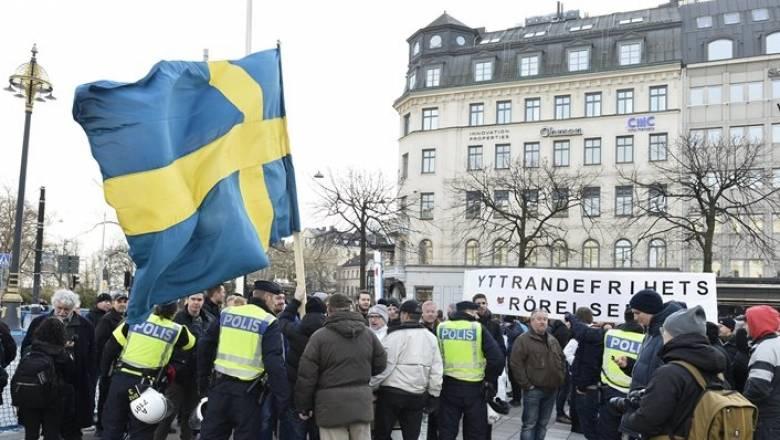 Σουηδία: Επίθεση σε μετανάστες και πρόσφυγες από κουκουλοφόρους