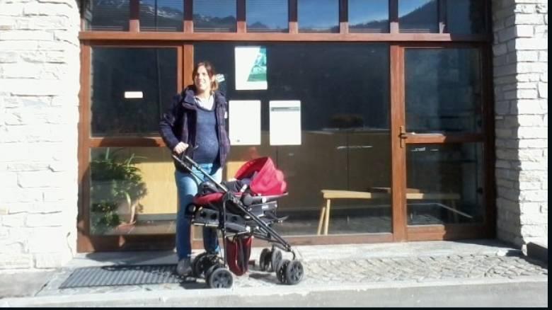 Ιταλική πόλη καλωσορίζει το πρώτο μωρό σχεδόν μετά από 28 χρόνια