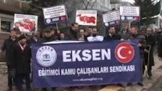 'Αγκυρα: Προκλητική διαμαρτυρία Τούρκων στην ελληνική πρεσβεία για τις βραχονησίδες