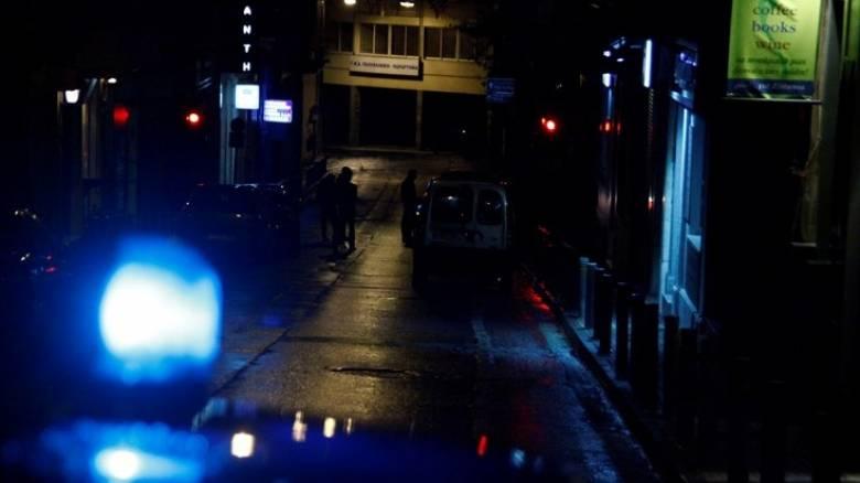 Άγνωστοι πυροβόλησαν προς την είσοδο ταβέρνας στους Αγ. Αναργύρους
