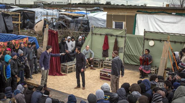 Άμλετ για τους πρόσφυγες στο Καλαί από τους επίγονους του Σαίξπηρ