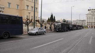 Κλούβες παντού στο κέντρο της Αθήνας και το Χίλτον