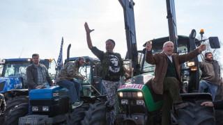 Κόβουν στα τρία την χώρα οι αγρότες- Εντείνουν τις κινητοποιήσεις