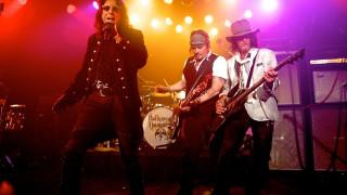 O Τζόνι Ντεπ τιμάει τον Λέμι Κίλμιστερ στα Grammys