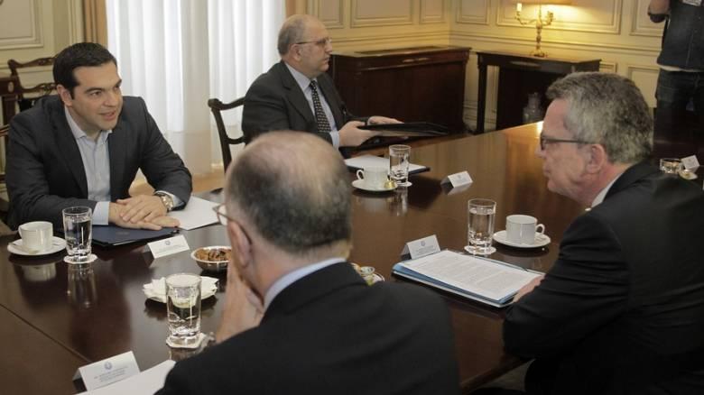Προσφυγικό: Να τηρήσουν όλοι τις δεσμεύσεις τους ζήτησε ο Τσίπρας