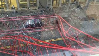 Βίντεο: Eπιχείρηση διάσωσης εγκλωβισμένων οδηγών ύστερα από την κατάρρευση του γερανού στο Μανχάταν