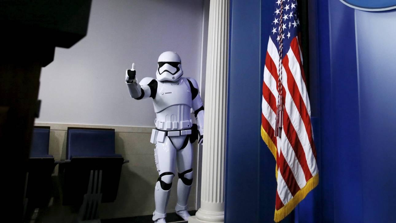 Στα δύο δισεκατομμύρια τα παγκόσμια έσοδα του νέου «Star Wars»