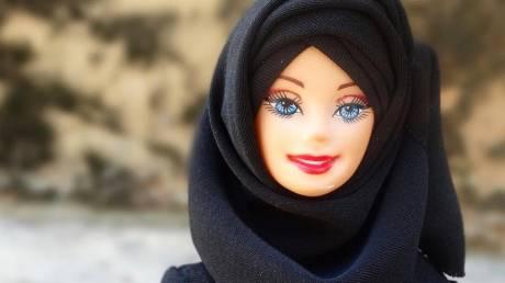 Αναταραχή στο διαδίκτυο από Barbie ντυμένη με χιτζάμπ