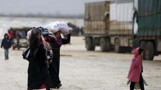 Χιλιάδες Σύροι εγκαταλείπουν το Χαλέπι και διασχίζουν τα σύνορα με την Τουρκία